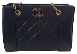 Chanel Tote in Blue Navy