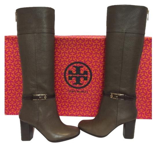 Preload https://item3.tradesy.com/images/tory-burch-mocha-32128362-bootsbooties-size-us-6-regular-m-b-10602877-0-1.jpg?width=440&height=440