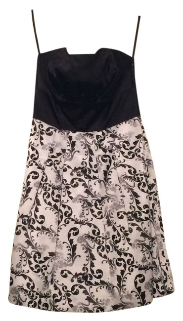 Preload https://item5.tradesy.com/images/white-house-black-market-and-strapless-floral-and-short-above-knee-cocktail-dress-size-4-s-10604539-0-1.jpg?width=400&height=650