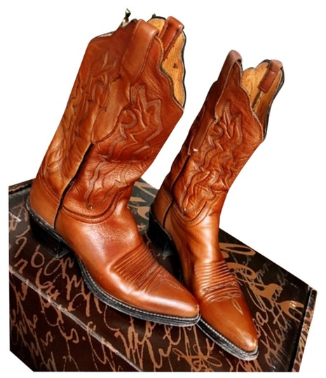 Preload https://img-static.tradesy.com/item/10604599/lucchese-tan-bootsbooties-size-us-65-regular-m-b-0-1-540-540.jpg