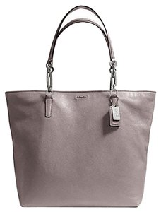 Coach Tote in Grey Quartz
