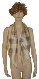 Burberry NWT $375 BURBERRY 100% SILK CHECK SQUARE SCARF WRAP MADE IN ITALY