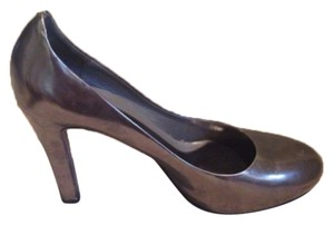 Theory Metallic dolphin grey Pumps
