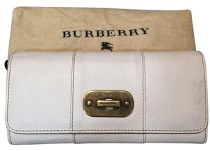 Burberry Burberry Molly Wallet in Alabaster