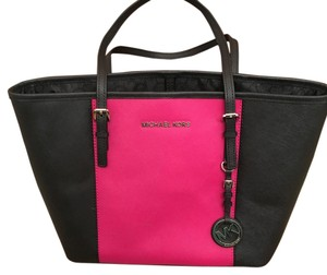 Michael Kors Tote in Black And Pink
