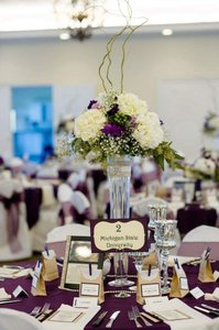 Clear Glass Centerpieces With Lace Burlap