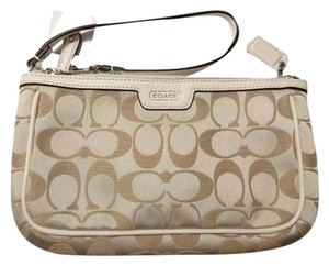 Coach Large Wristlet in Light Khaki/Pearl