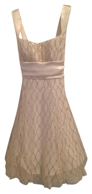Item - Cream and Gold Above Knee Formal Dress Size 4 (S)