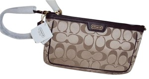 Coach Large Wristlet in Khaki/Mahogany
