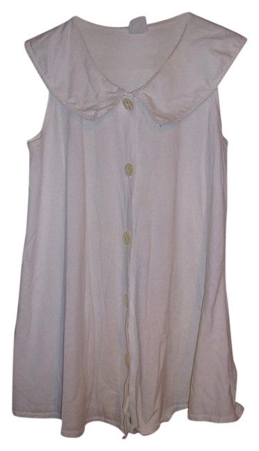 Preload https://item5.tradesy.com/images/white-button-down-top-size-12-l-1061999-0-0.jpg?width=400&height=650