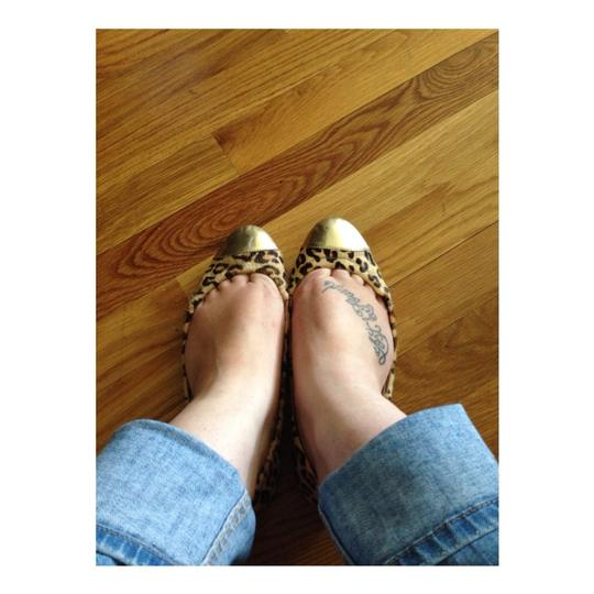 Betsey Johnson Leopard/Gold Flats