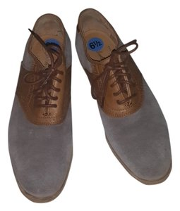 The Frye Company Suede Oxford Gray and Tan Flats