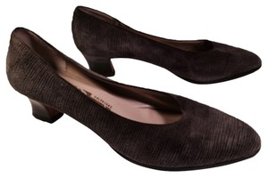 Salvatore Ferragamo Taupe, Brown Pumps
