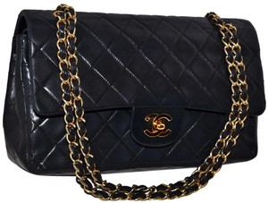 Chanel Paris Guaranteed Quilted Lambskin Leather Lamb Lamb Skin Quilted Lambskin Quilted Leather Quilted Gold Chain Gold Shoulder Bag