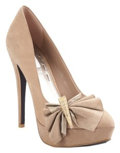 Rachel Roy Beige Pumps