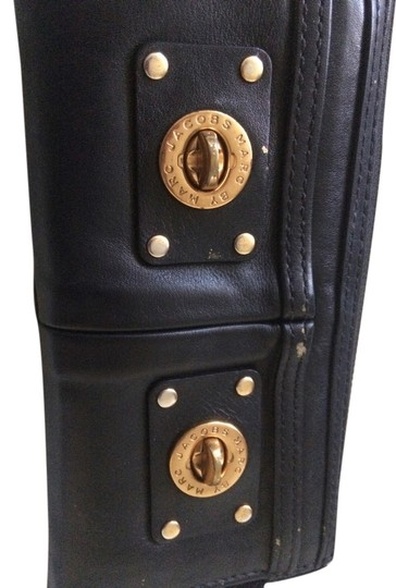 Preload https://img-static.tradesy.com/item/1062615/marc-by-marc-jacobs-black-and-gold-leather-wallet-0-0-540-540.jpg