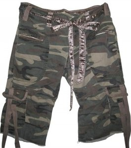 Wet Seal Capris Camouflage