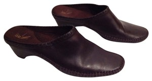 White Mountain Brown Mules