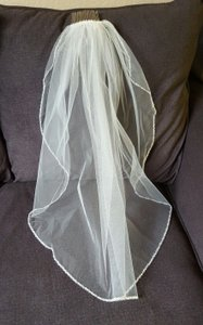 David's Bridal One Tier Elbow-length Pearl Edged Comb Style Veil