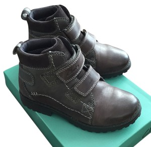 Clarks leather kids boot Athletic