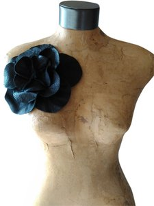 Other Tracey Vest Black Leather Oversized Rosette Magnet Pin