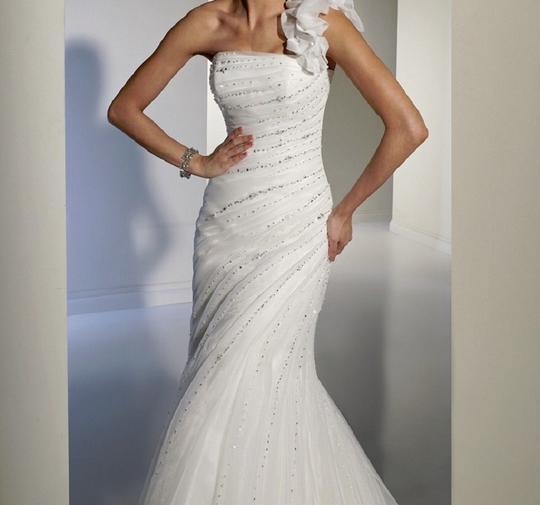Sophia Tolli Ivory Organza Y21159 Zia Modern Wedding Dress Size 6 (S)