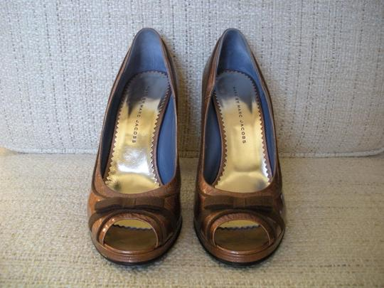 Marc by Marc Jacobs Rose and brown Pumps