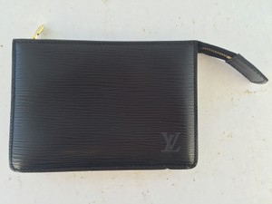 Louis Vuitton Louis Vuitton Black Epi leather Pochette