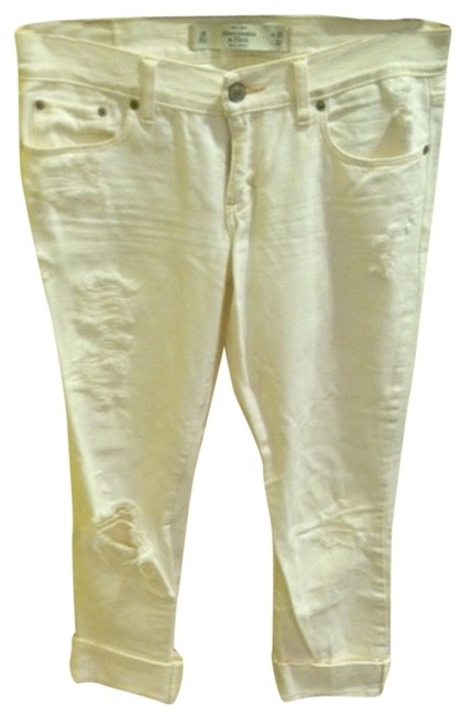 Preload https://img-static.tradesy.com/item/1064918/abercrombie-and-fitch-white-distressed-relaxed-fit-jeans-size-26-2-xs-0-0-650-650.jpg
