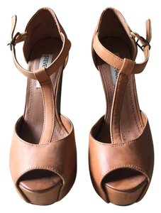 Steve Madden Pump Leather Chic Camel Pumps