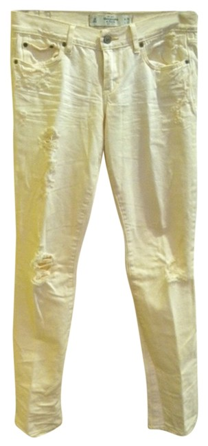 Preload https://img-static.tradesy.com/item/1064931/abercrombie-and-fitch-white-distressed-relaxed-fit-jeans-size-26-2-xs-0-0-650-650.jpg