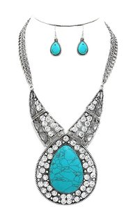 Other Boho Chic Silver Chain Turquoise Stone Crystal Accent Necklace