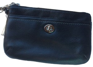 Coach Park Signature Wallet Medium Leather Wristlet in Black