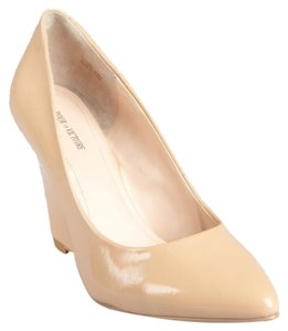 Pour La Victoire Work Wedge Beige Nude Wedges