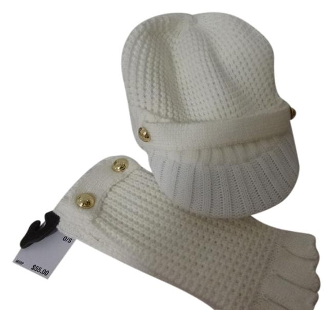 Item - Cream Knit Gloves with Matching Knit Brimmed Hat