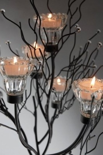 Preload https://item1.tradesy.com/images/brownblack-iron-twig-tree-candle-holder-centerpiece-106585-0-0.jpg?width=440&height=440
