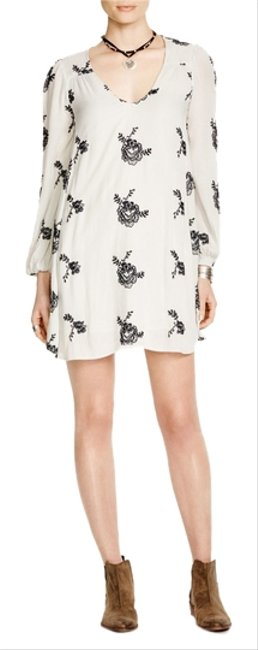 Item - Emma's Embroidered Mini Short Casual Dress Size 4 (S)