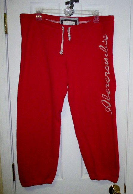Abercrombie & Fitch & Yoga Pant Large Sweatpant Capris Red