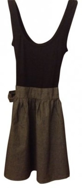 Preload https://item2.tradesy.com/images/forever-21-black-and-grey-summer-above-knee-short-casual-dress-size-8-m-106656-0-0.jpg?width=400&height=650