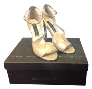 Steven by Steve Madden Patent Leather Nude Pumps