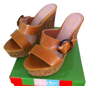 Charles David Caramel Wedges