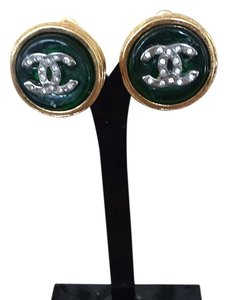 Chanel Chanel Green Gripoix Vintage clip on earrings