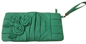 Black Poppy Wristlet in green