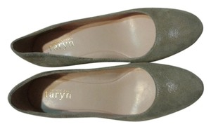 Taryn Rose grey Pumps