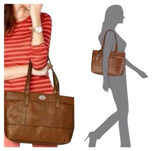 Fossil Hunter Shopper Pebbled Style Zb5364 Tote in Chestnut Brown