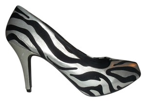 Qupid Silver and Black Pumps