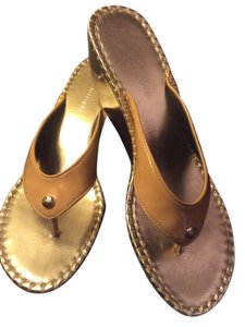 Donald Pilner Gold Patent Leather Tan Sandals
