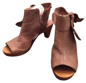 Miss Albright Anthropologie Wedge Clog Wooden Heal Leather Tan Boots