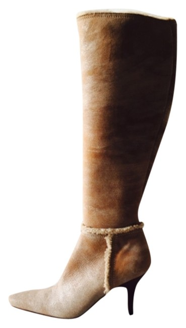 Item - Tan Boots/Booties Size US 7.5 Narrow (Aa, N)