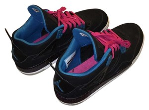 Nike Black/Dynamic Blue-Vivid Pink Athletic